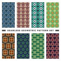 Set di pattern di forme geometriche decorative senza soluzione di continuità vettore