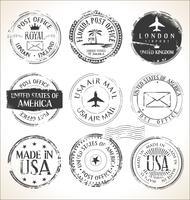 Insieme dei bolli postali sulla posta aerea bianca dell'ufficio postale della posta del fondo vettore