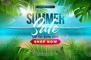 Il disegno di vendita dell'estate con le foglie di palma e la tipografia segnano sul fondo blu del paesaggio dell'oceano. Illustrazione floreale tropicale di vettore con la tipografia di offerta speciale per il buono