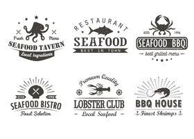 Set di pesce d'epoca, barbecue, modelli di logo grill, distintivi ed elementi di design. Collezione di logotipi per negozio di pesce, bar, ristorante. Illustrazione vettoriale Hipster e stile retrò.