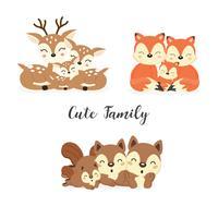 Set di simpatici animali della foresta di famiglia. Cartone animato di volpi, cervi, scoiattoli. vettore