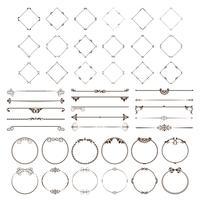 Un set di divisori decorativi e cornici di forme diverse per decorare le tue idee. vettore