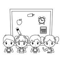 simpatici piccoli studenti con il consiglio scolastico