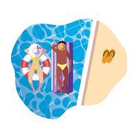 coppia interrazziale con costume da bagno e galleggiante in acqua