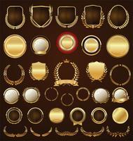 Collezione di alloro e nastri etichette distintivi dorati vettore