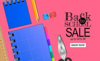 Bentornati al modello di banner di vendita di scuola con stazionario su sfondo rosa