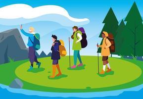 campeggiatori che camminano nella scena del bellissimo paesaggio