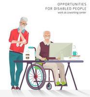 Uomini più anziani che si allenano alla scrivania e al computer, uno in piedi e uno in sedia a rotelle