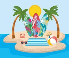 Palme con tavole da surf e occhiali da sole con pallone da spiaggia vettore