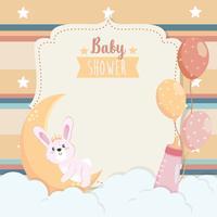 Scheda dell'acquazzone di bambino con coniglietto sulla luna con nuvole e palloncini vettore