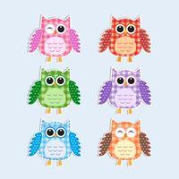 Set di gufi colorati