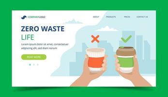 Pagina di destinazione zero rifiuti con tazza di caffè riutilizzabile e tazza monouso