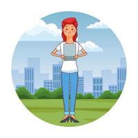donna teenager che utilizza compressa nel parco della città vettore