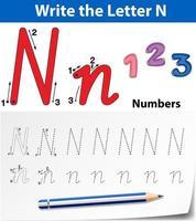 Fogli di lavoro di alfabeto di tracciamento della lettera N. vettore