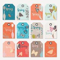 Progettazione di tag regalo floreale di primavera, con fiori disegnati a mano