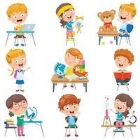 bambini piccoli che svolgono varie attività scolastiche vettore