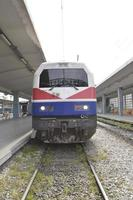 trainen op het treinstation